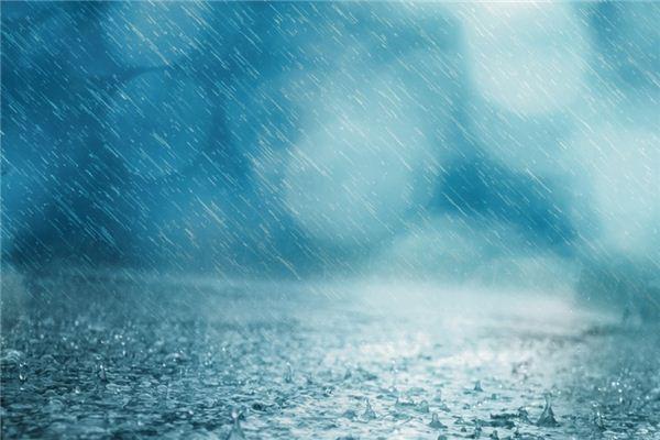 梦见下大雨是什么意思