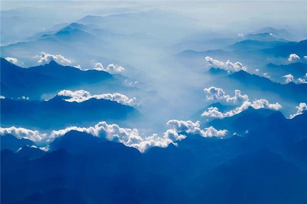 梦见蓝天是什么意思