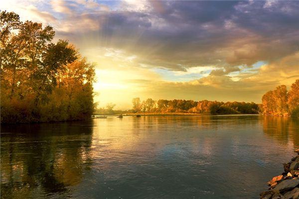 梦见河流是什么意思