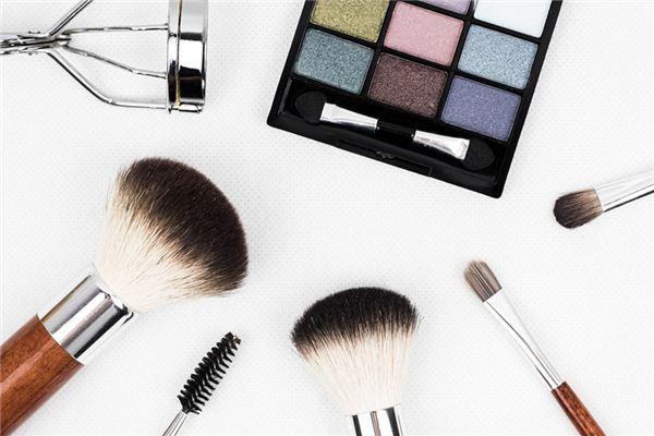 夢見化妝是什么意思