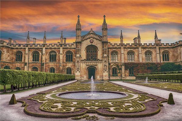 梦见宫殿是什么意思