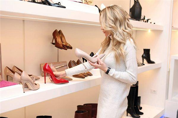 梦见鞋店是什么意思