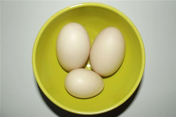 梦见鸭蛋是什么意思