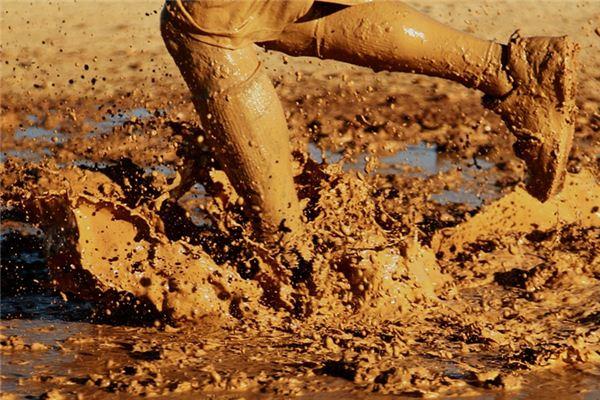 梦见泥巴是什么意思