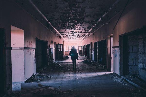 梦见走廊是什么意思