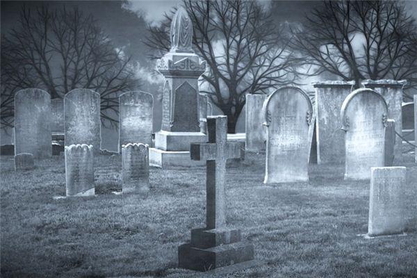 梦见墓碑是什么意思
