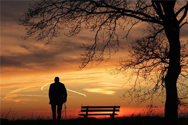 梦见嫁给老人是什么意思