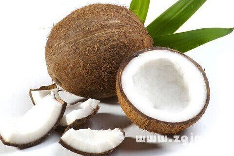 梦见喝椰子里面的水
