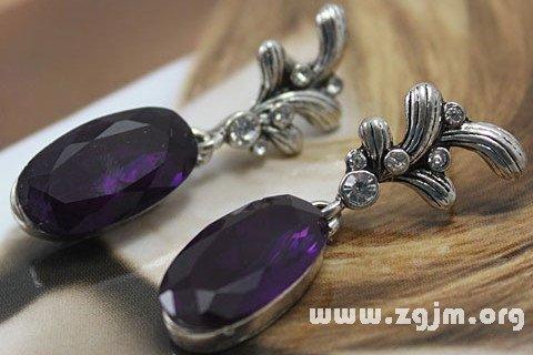梦见紫宝石