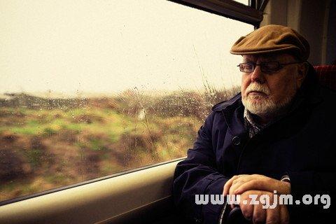 梦见坐火车