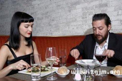 梦见吃西餐
