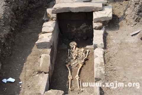庄闲游戏古墓
