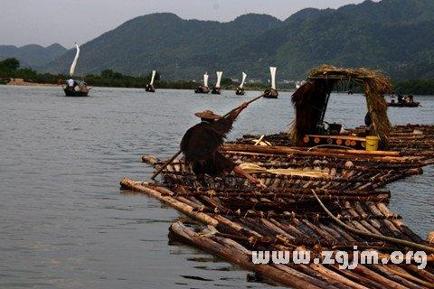 梦见木排 竹排 木筏