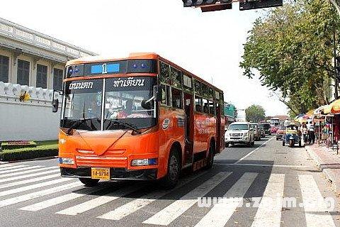 梦见公交车 公共汽车 巴士