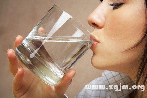 梦见凉水 喝凉水