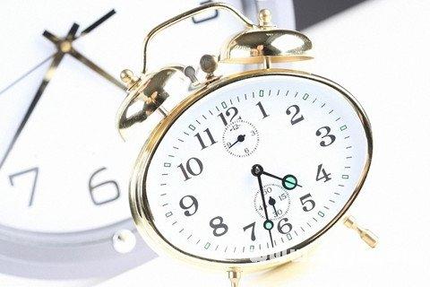 做梦梦到钟表什么意思