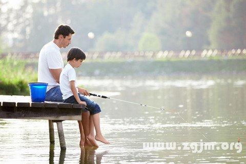梦见去钓鱼