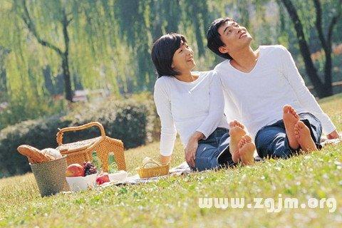 梦见和他人野餐