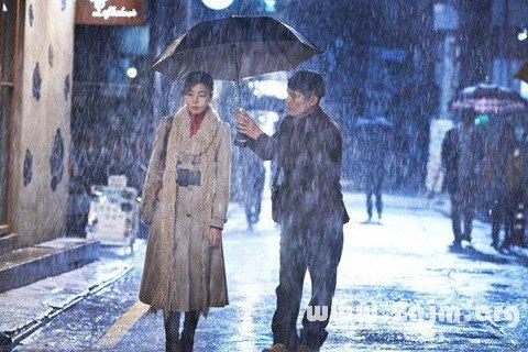 梦见与情人在雨中步行