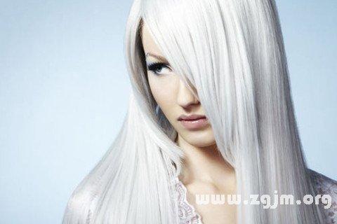 梦见头发变白