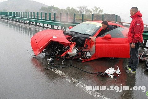 梦见交通事故