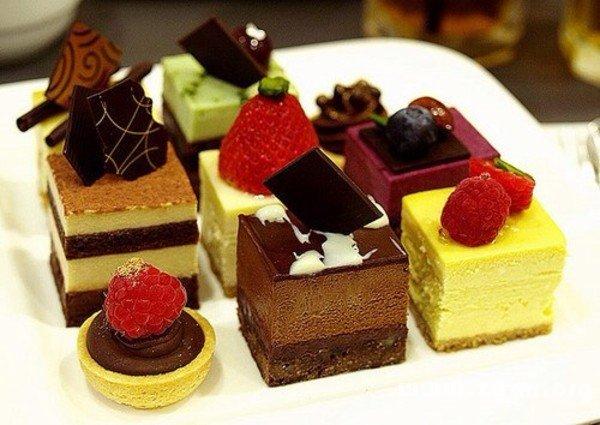 梦见卖蛋糕_周公解梦
