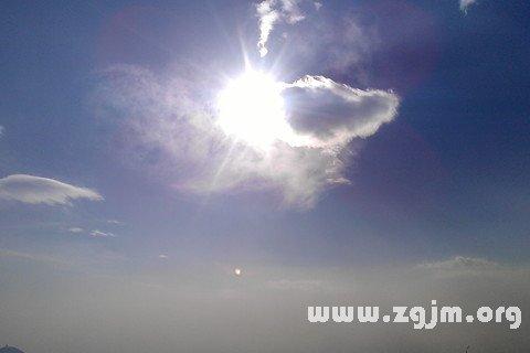 梦见云遮太阳
