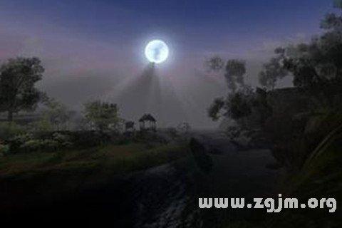 梦见孤月高悬