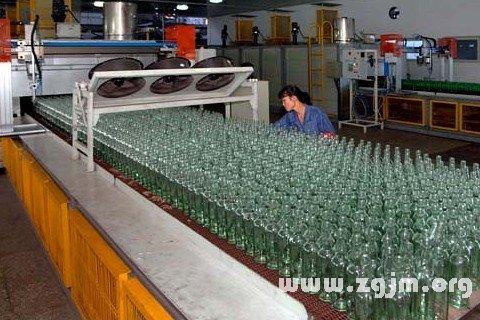 梦见玻璃厂