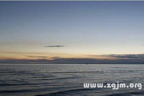 梦见向冬天荒凉的海上远望