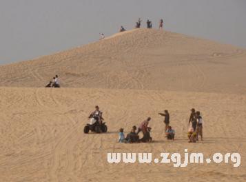 梦见成堆的沙子