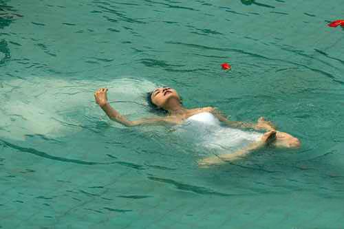 梦见水中有死尸什么预兆