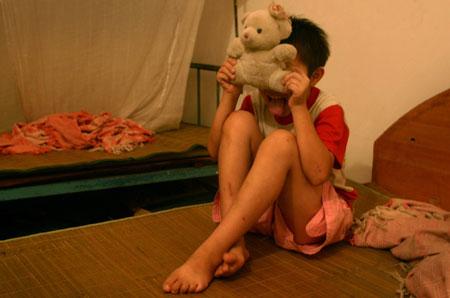 女人梦见小男孩在我床上拉屎