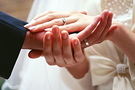梦见自己去庙里算婚姻