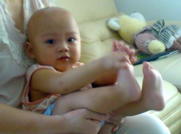 飞机抱适合多大的婴儿