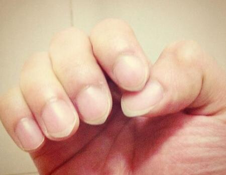 从指甲可以看出女人性格 涂红指甲的女人的性格