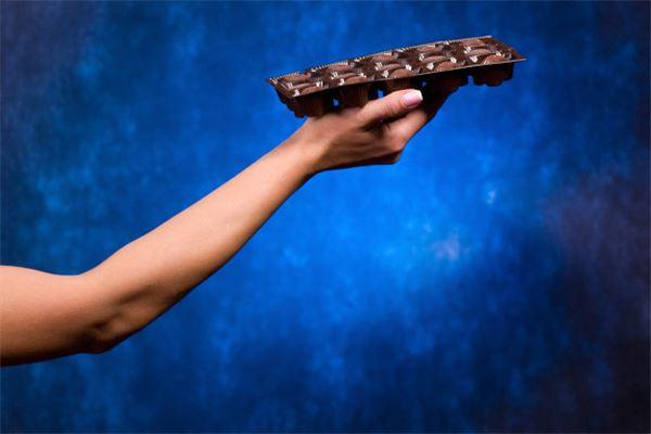 梦见有人送巧克力