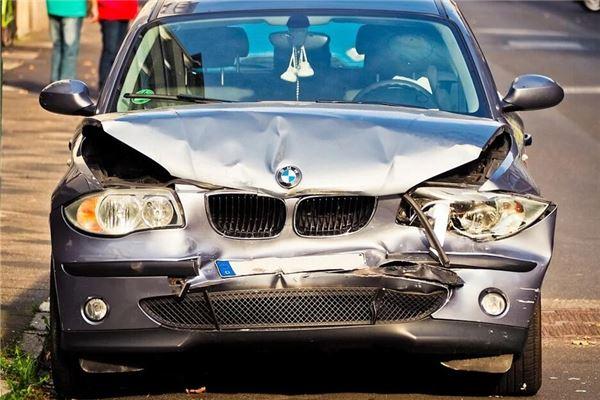 梦见妈妈出车祸