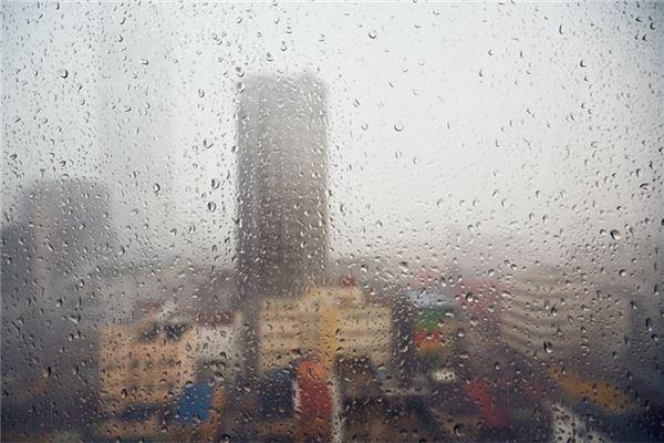 梦见下雨房屋倒塌