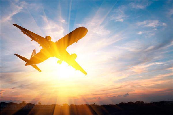 梦见坐飞机晚点