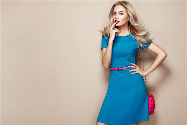 梦见穿蓝色裙子