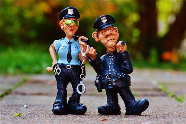 梦见朋友被警察抓