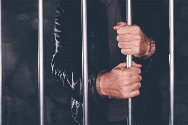 梦见惩罚 受罚 判刑