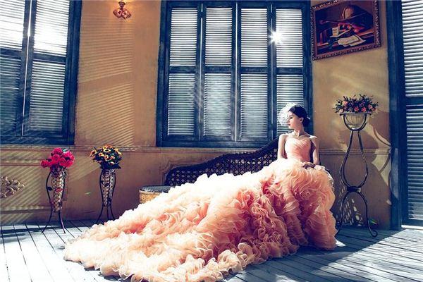 梦见婚纱 穿婚纱