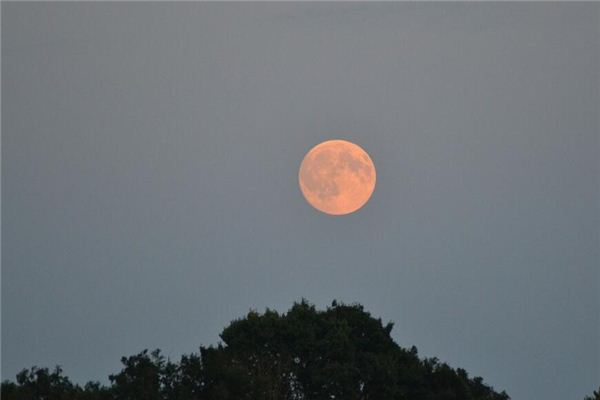 梦见月亮照在身上