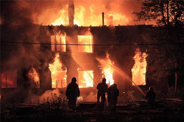 梦见火烧自己家