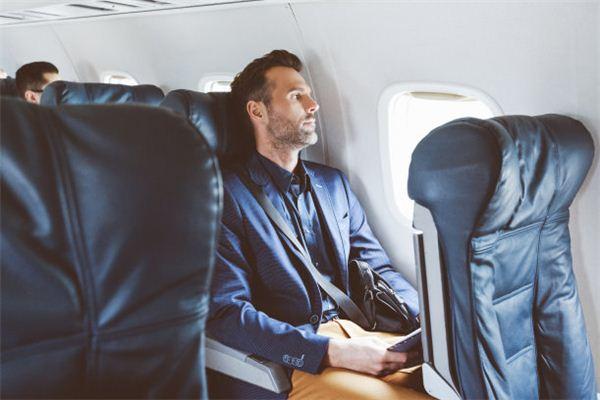 梦见坐飞机 乘飞机