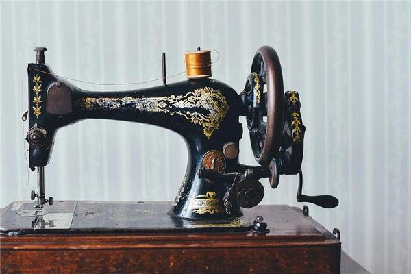 梦见缝衣机 缝纫机