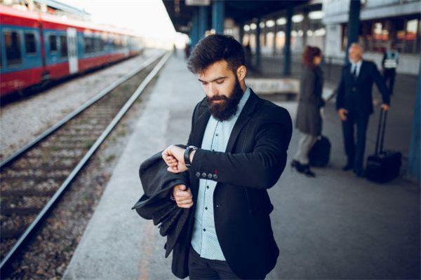 梦见火车晚点