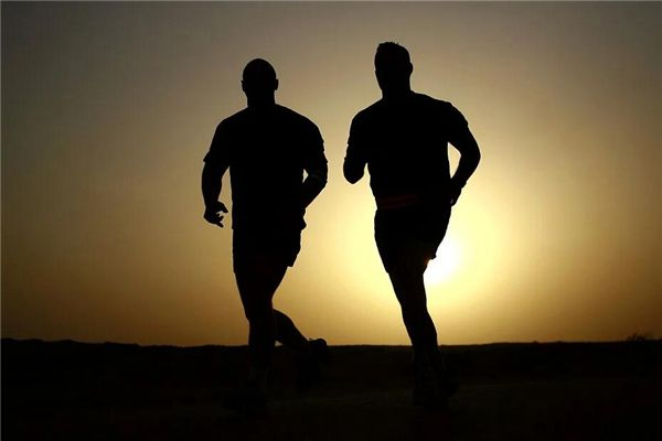 梦见集体跑步